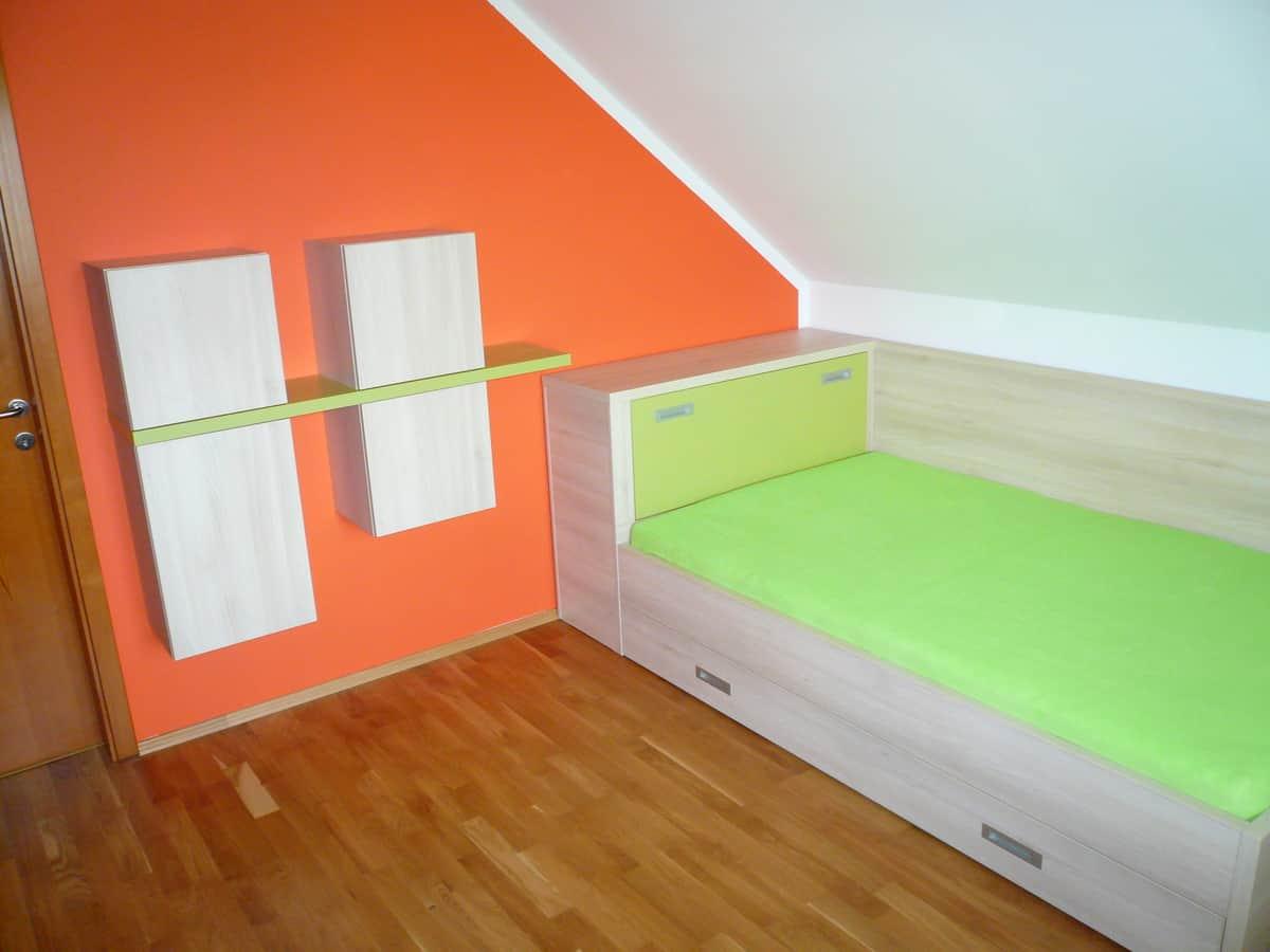 Dětský pokoj v oranžové a zelené 1