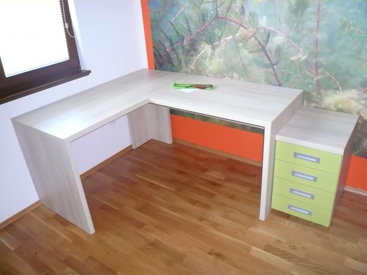 Dětský pokoj v oranžové a zelené 6