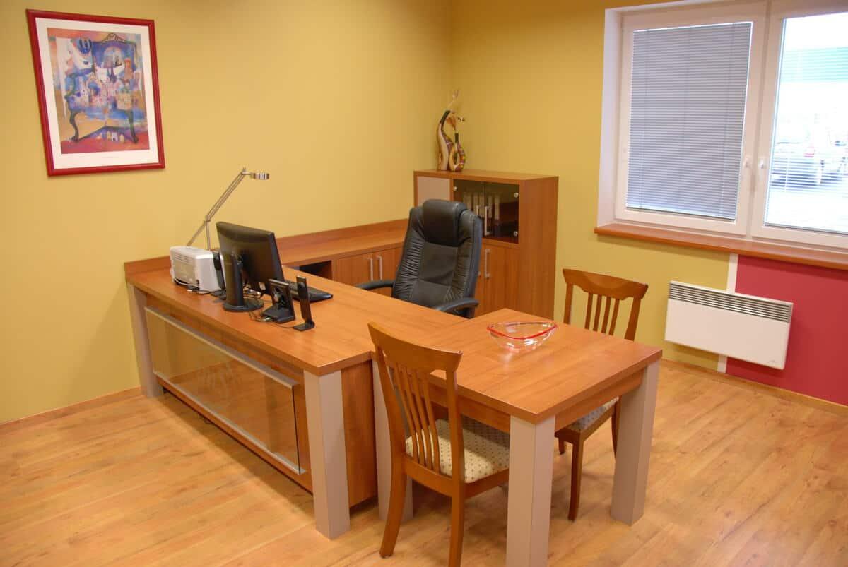 Kancelář obchodního oddělení v rodinné firmě 1
