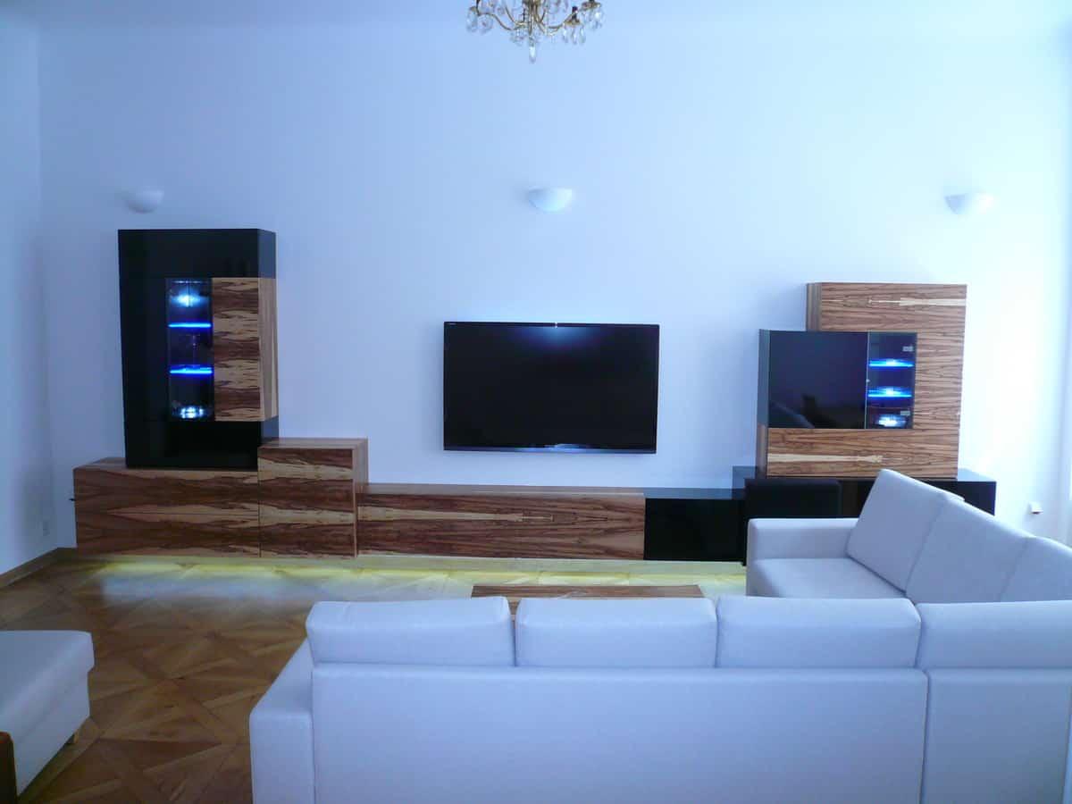 Obývací pokoj - televizní stěna a stolek 3