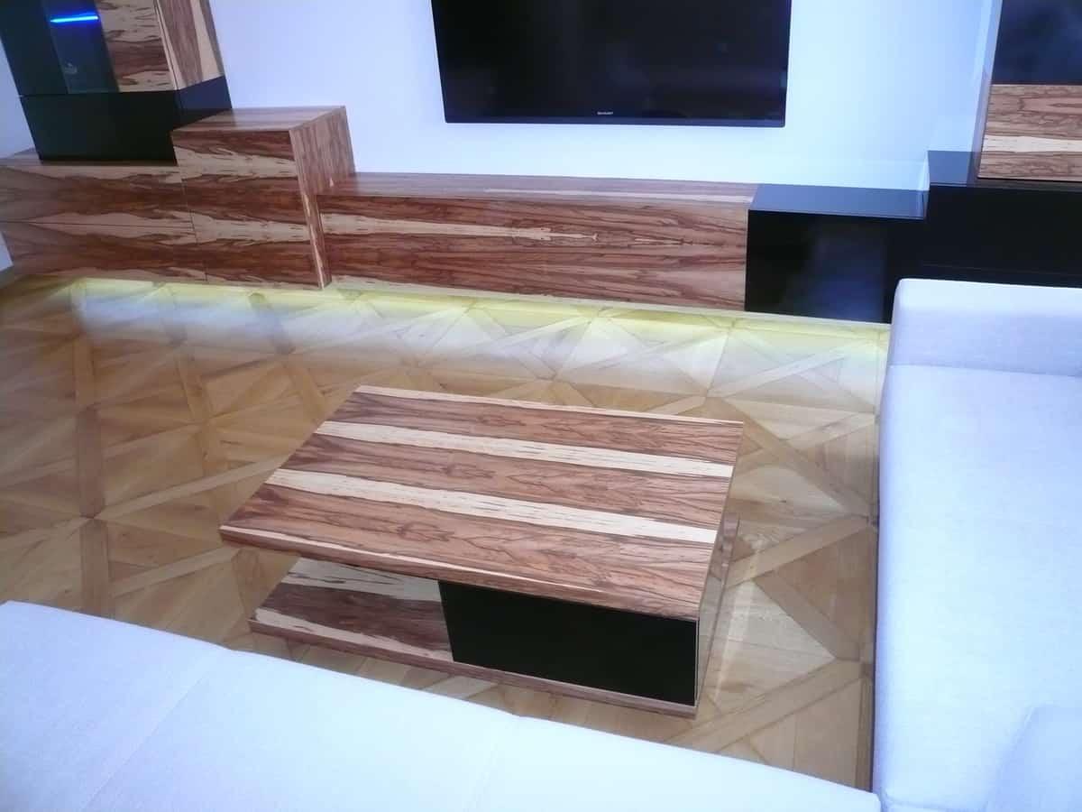 Obývací pokoj - televizní stěna a stolek 4