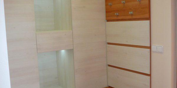 Vestavěné skříně Opava 1